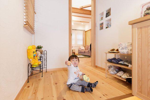 玄関フロアはバリアフリーにしているので小さなお子様も安心ですね。
