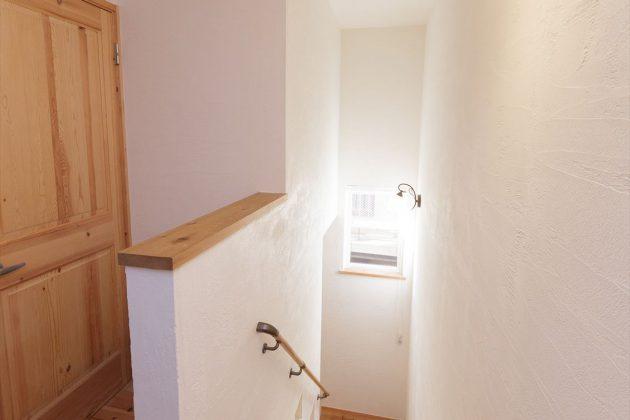 階段上部からの写真です
