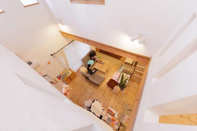 2階からリビングが見えるので同じフロアにいなくてもご家族の気配を感じることができますね