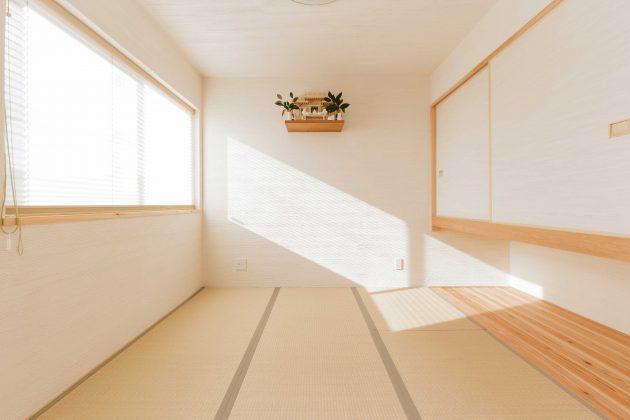 4.5帖の和室には作り付けで神棚が施工されています。