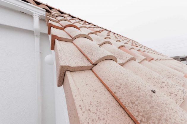 屋根瓦を近くで見たいと言う事で作られた屋上ベランダです。 瓦は近くで見ると迫力があるそうです。