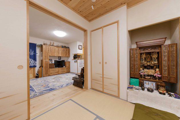 和室からリビングは襖を開けると開放的な広々空間が生まれます。お仏壇の場所も施工しました。