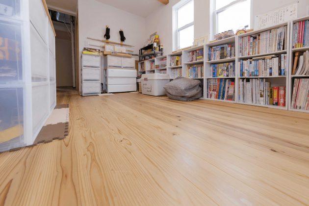 セカンドリビングの床材は愛工房の床材で気持ち良くてゴロゴロしちゃうそうです。